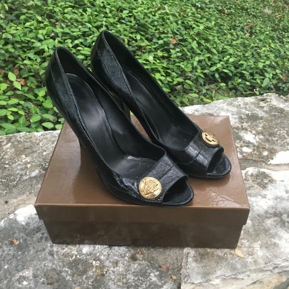 7619f1b03c1 Gucci Shoes - Gucci Black Patent Leather Peep Toe size12